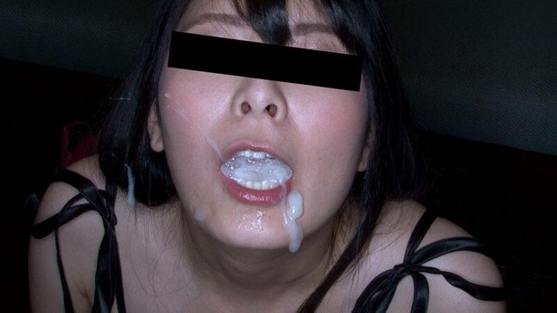 口内に大量にザーメンを溜めこむ素人